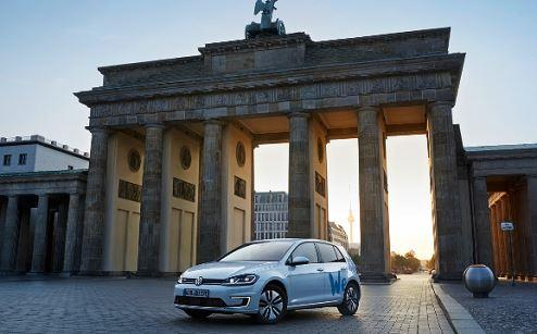 "Volkswagen startet E-Carsharing ""We Share"" in Berlin"
